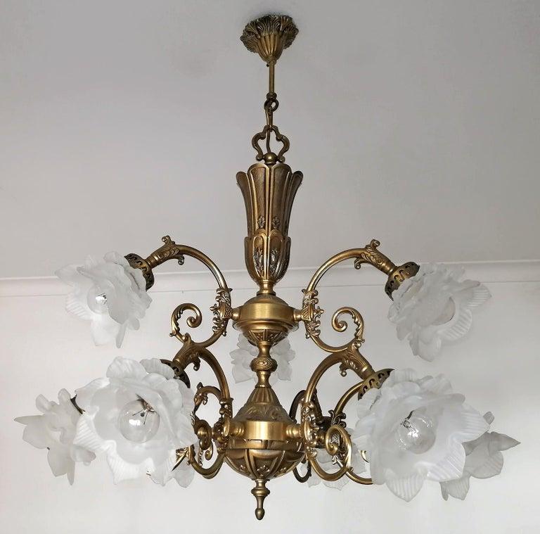 Hollywood Regency French Art Nouveau or Art Deco Art Glass Flower & Gilt Brass 9-Light Chandelier For Sale