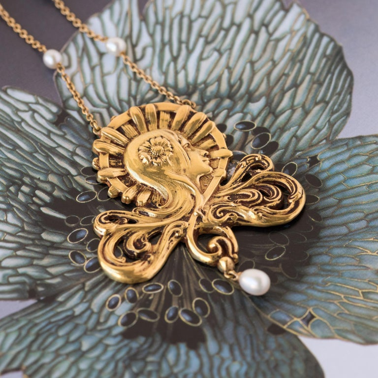 Women's French Art Nouveau Pearl Gold Necklace Featuring a Woman's Head  For Sale