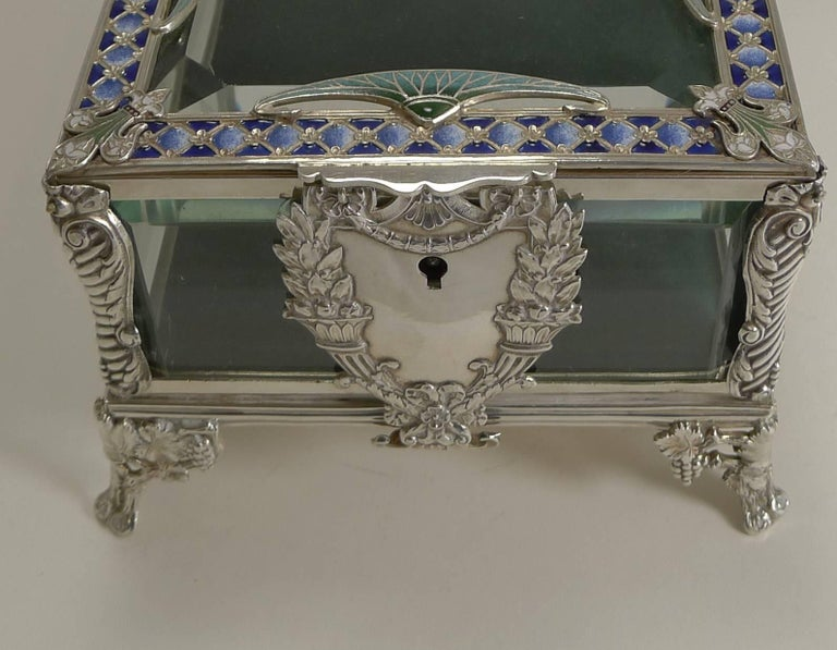 French Art Nouveau Silver Plate and Enamel Jewelry Box, circa 1900 For Sale 3