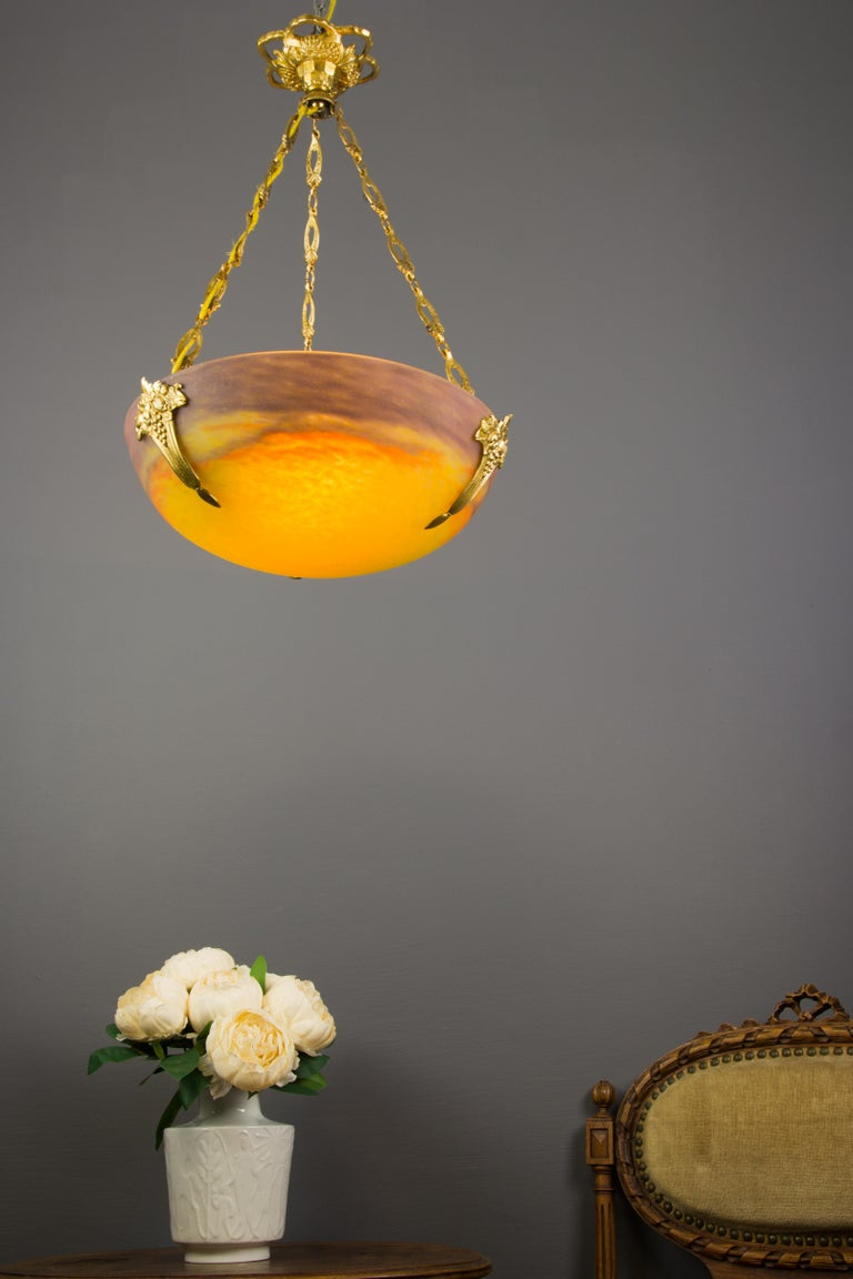 French Art Nouveau Yellow Glass Bowl Pendant Chandelier by Muller Frères, 1920s In Good Condition For Sale In Barntrup, DE