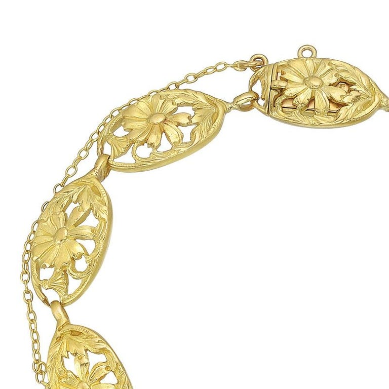 French Art Nouveau Yellow Gold Link Bracelet In Excellent Condition For Sale In Greenwich, CT