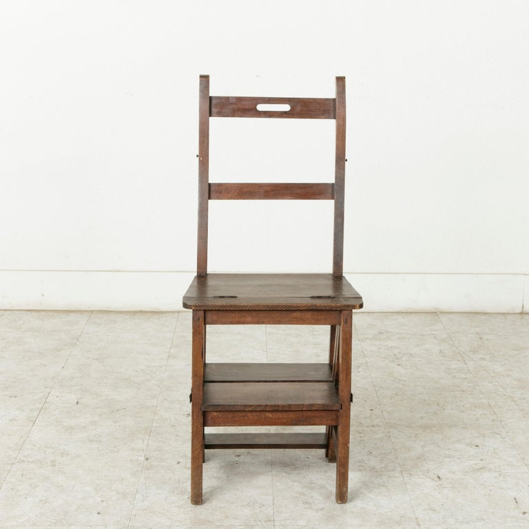 French Artisan-Made Oak Folding Ladder Chair or Library Ladder, circa 1900 In Good Condition For Sale In Fayetteville, AR