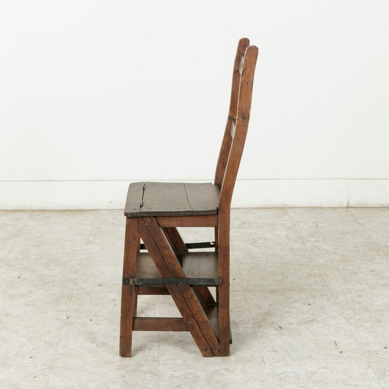 Early 20th Century French Artisan-Made Oak Folding Ladder Chair or Library Ladder, circa 1900 For Sale
