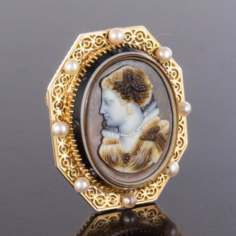 French Aucoc 19th Century Antique Cameo Natural Pearls Locket Pendant Brooch For Sale 7