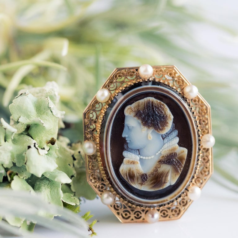 Round Cut French Aucoc 19th Century Antique Cameo Natural Pearls Locket Pendant Brooch For Sale