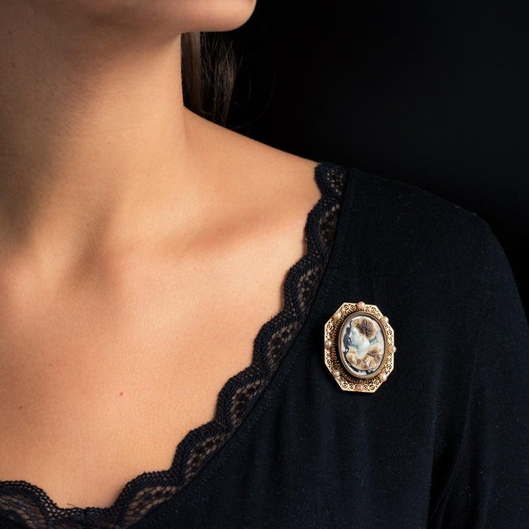 French Aucoc 19th Century Antique Cameo Natural Pearls Locket Pendant Brooch For Sale 1