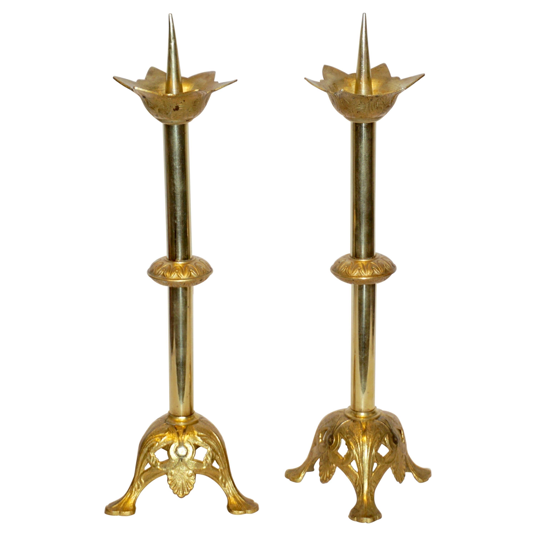 French Baroque Revival Pair of Gilt Bronze Ormolu Pricket Candlesticks, 1880s
