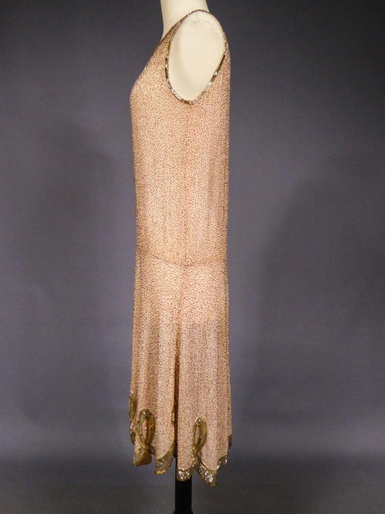 French Beaded and sequins embroidered Couture Flapper Dress Circa 1925 For Sale 4