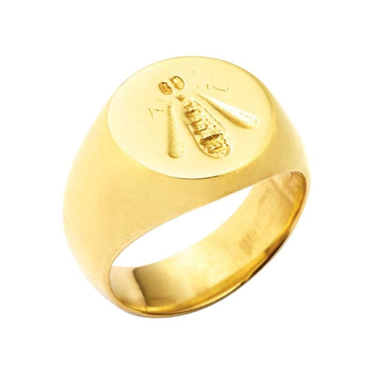 French Bee Signet Ring in 18 Karat Gold For Sale