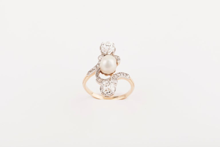 French Belle Époque Crossover Diamond and Pearl Ring In Good Condition For Sale In Saint-Ouen, FR