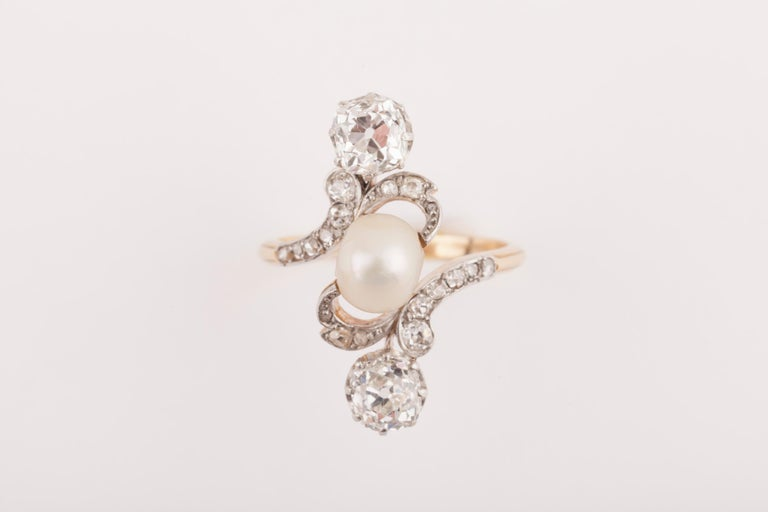 French Belle Époque Crossover Diamond and Pearl Ring For Sale 3