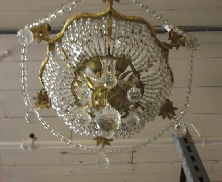 French Belle Époque Gilt Bronze Chandelier with Cut Crystal Elements For Sale 3