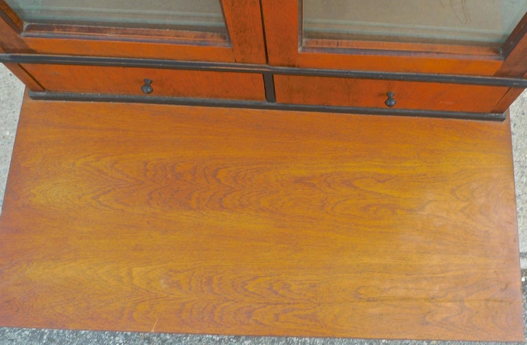 French Biedermeier 1940s Birchwood Desk with 3 Drawers and 2 Glass Cabinet Doors For Sale 5
