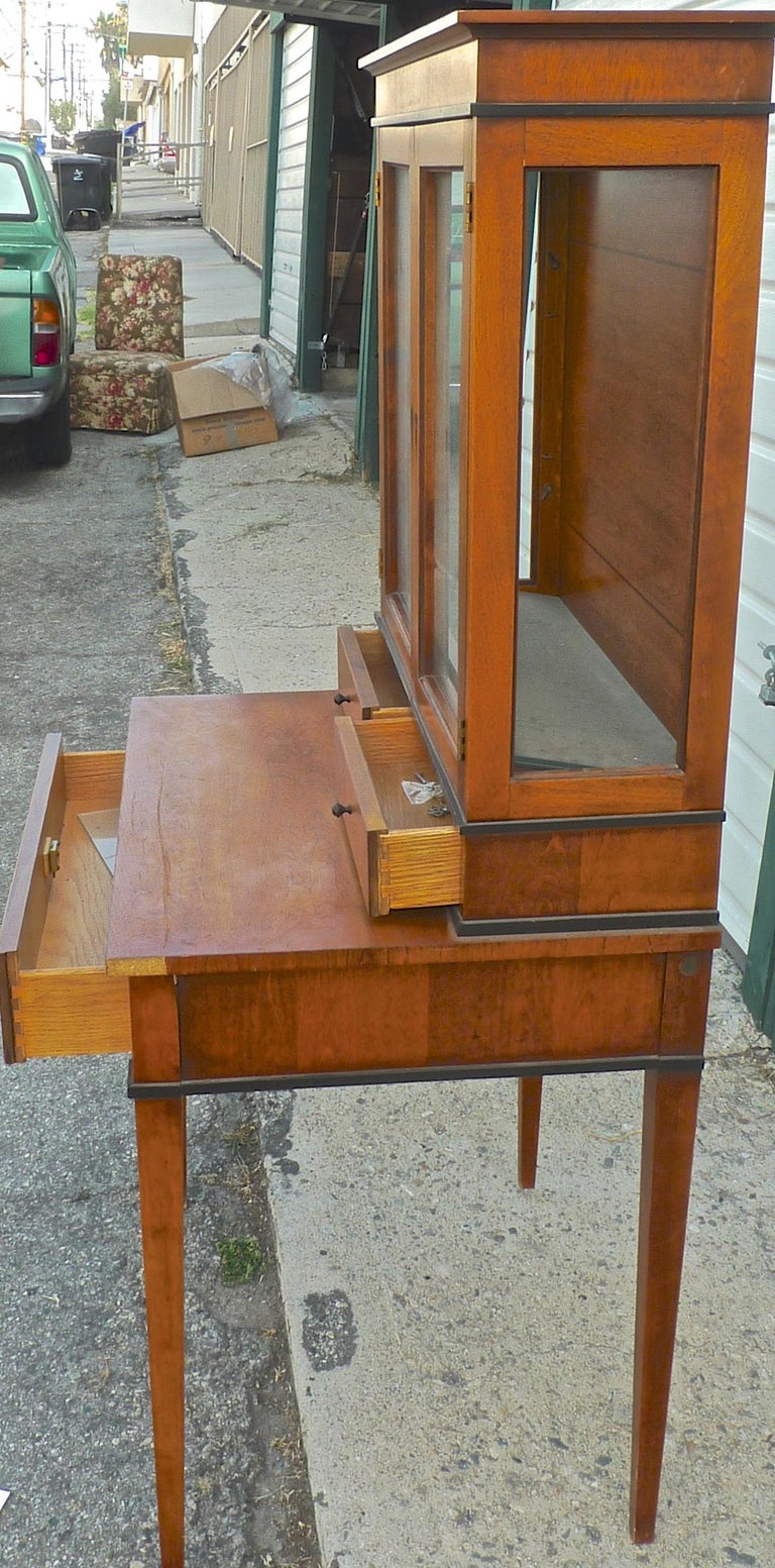 20th Century French Biedermeier 1940s Birchwood Desk with 3 Drawers and 2 Glass Cabinet Doors For Sale
