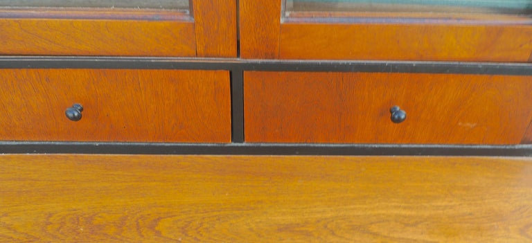 French Biedermeier 1940s Birchwood Desk with 3 Drawers and 2 Glass Cabinet Doors For Sale 2