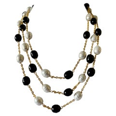 "French Black and White ""pate de verre"" Pearl Necklace"