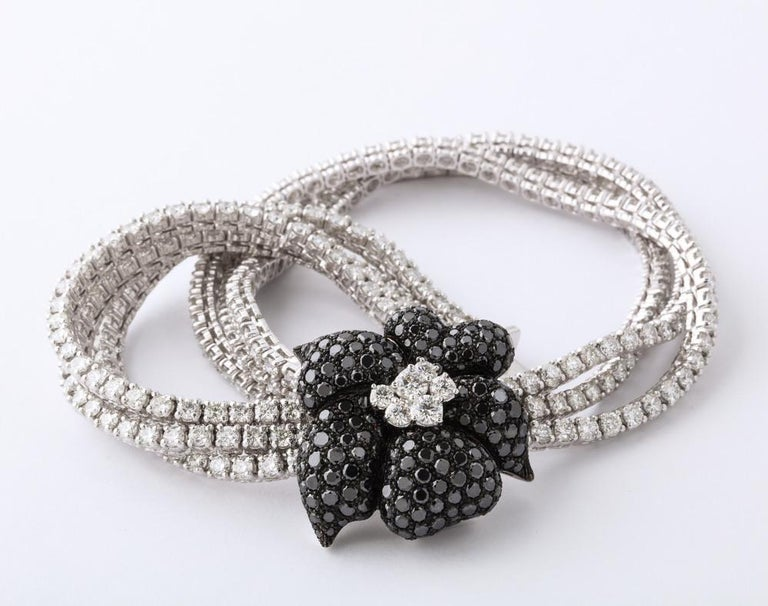 French Black Diamond Flower Triple White Diamond Riviere Necklace In Excellent Condition For Sale In Bal Harbour, FL