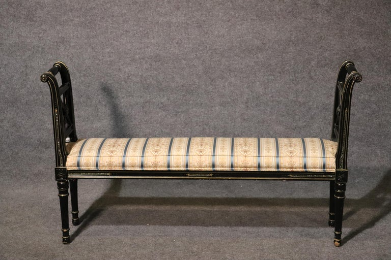 French Black Lacquer Ebonized Louis XVI Window Bench with Abalone Shell Inlay In Good Condition For Sale In Swedesboro, NJ