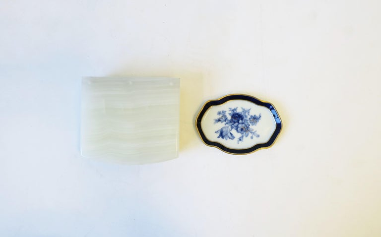 French Blue and White Porcelain Jewelry Dish For Sale 3