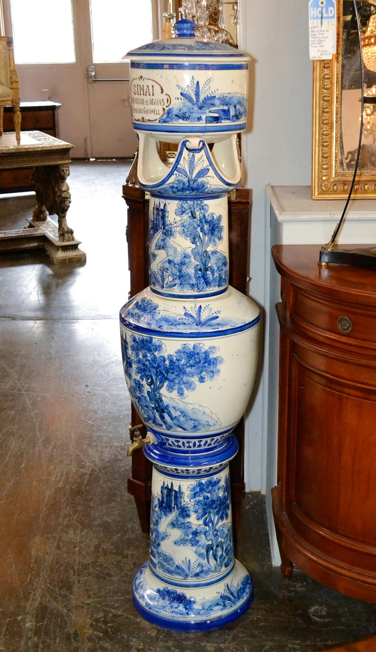 French Blue and White Lavabo For Sale 2