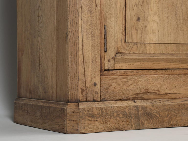 French Bookcase Mid-1800's in Exceptional Unrestored Condition Weathered Oak For Sale 10