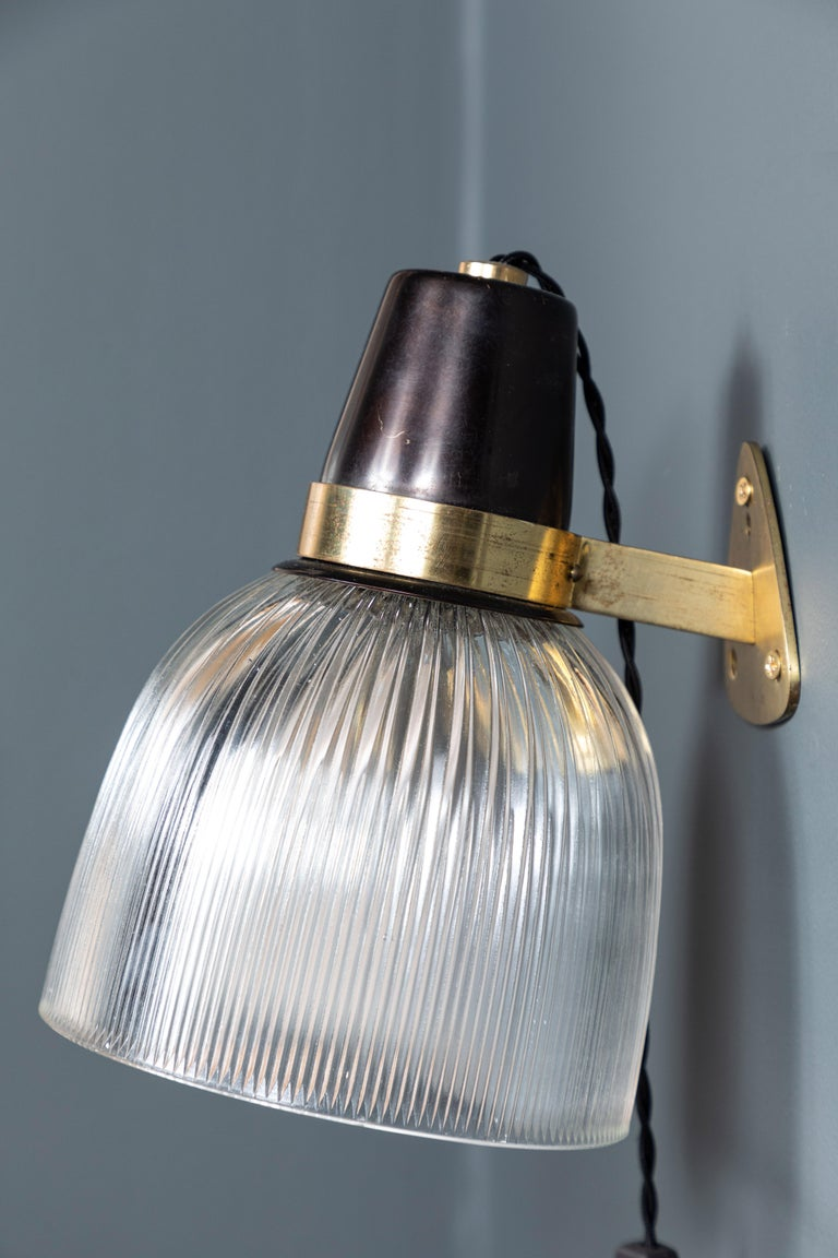 French Brass and Glass Sconce In Good Condition For Sale In Los Angeles, CA