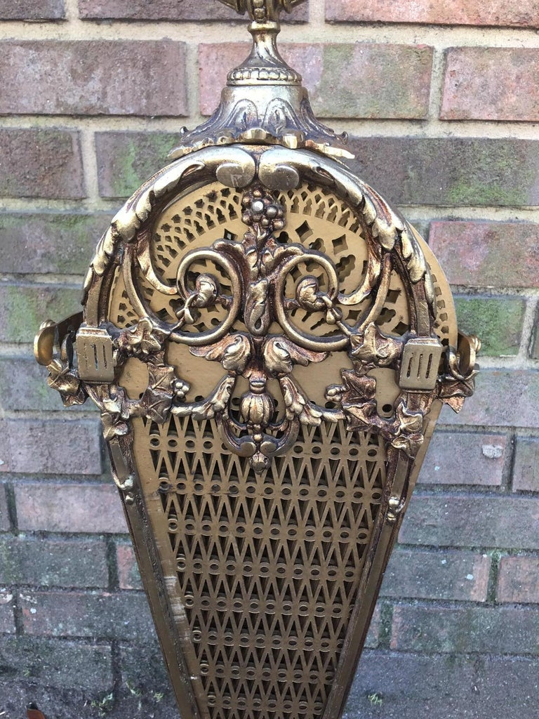 French Brass Decorative Pierced Folding Fire Place Fan Screen, 19th Century For Sale 1