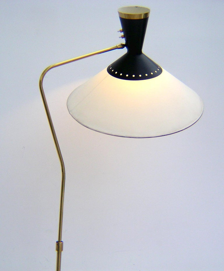French Brass Flexible and Extendable Floor Lamp by Maison Arlus, 1950s For Sale 3