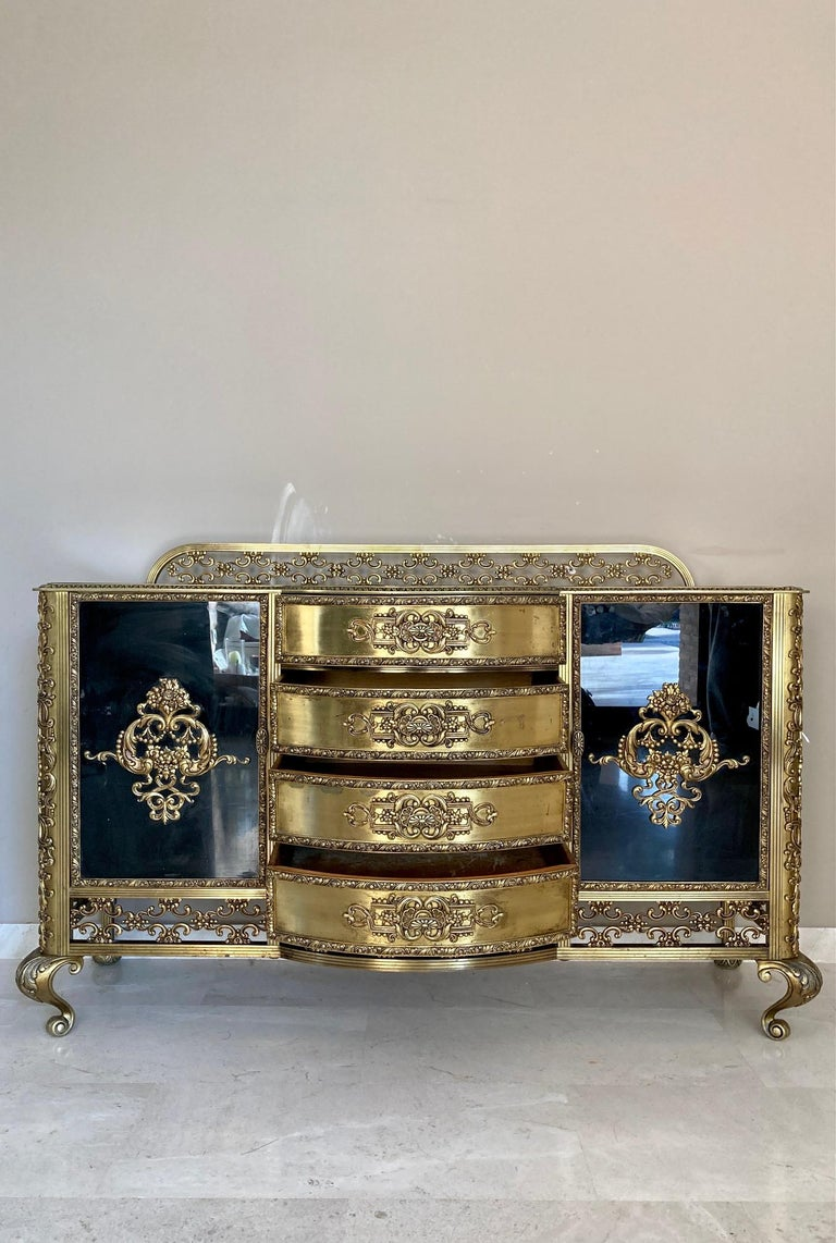 Louis XV French Bronze Kidney Mirrored Dressing Table or Vanity with Four Drawers and Two For Sale