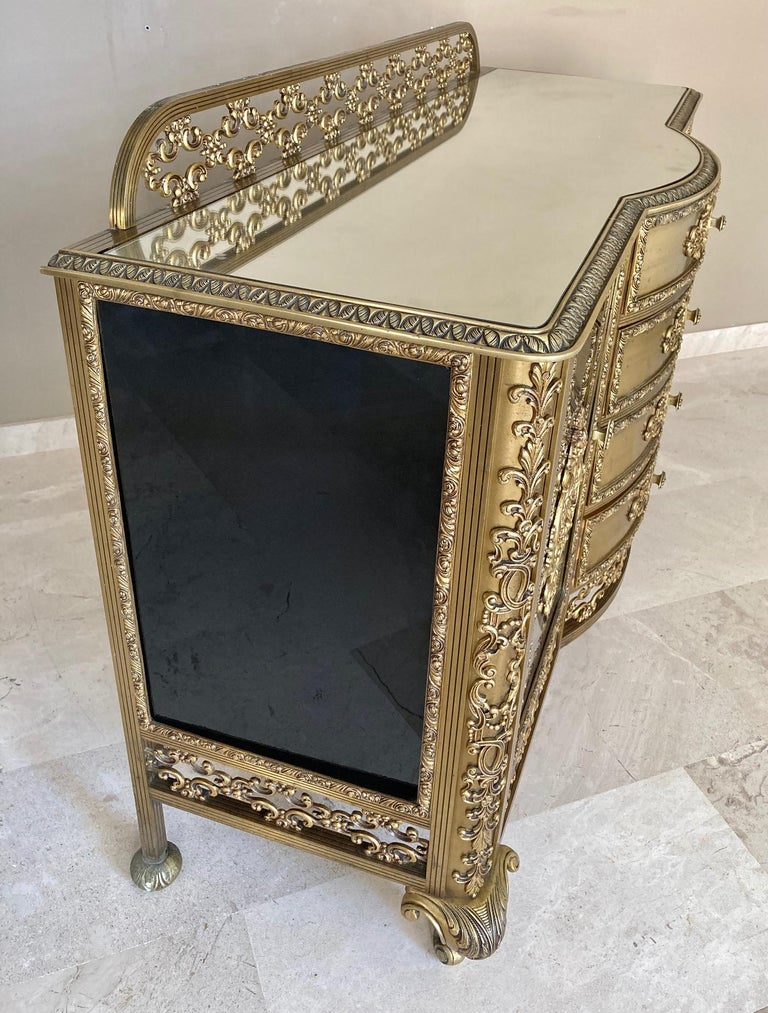 19th Century French Bronze Kidney Mirrored Dressing Table or Vanity with Four Drawers and Two For Sale