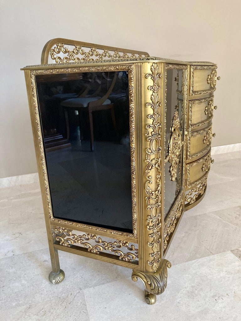 French Bronze Kidney Mirrored Dressing Table or Vanity with Four Drawers and Two For Sale 2