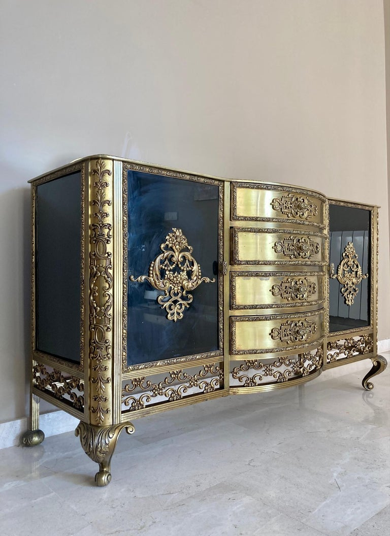 French Bronze Kidney Mirrored Dressing Table or Vanity with Four Drawers and Two For Sale 3