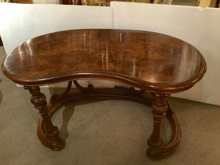 French Burl Wood Kidney Form Writing Desk, 19th Century In Good Condition For Sale In Houston, TX