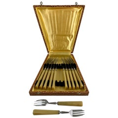 French Butterscotch Bakelite & Stainless Art Deco Pastry Forks, Cased Set of 12