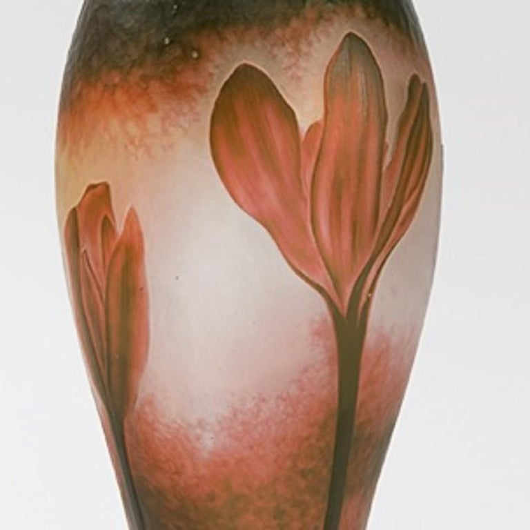 French Cameo Glass Vase by Daum In Excellent Condition For Sale In New York, NY