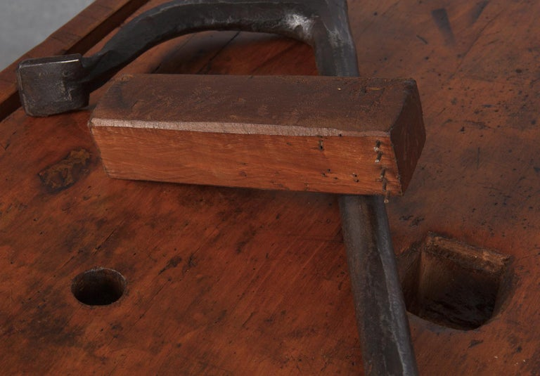 French Carpenter's Workbench in Beechwood, Dated 1919 For Sale 14