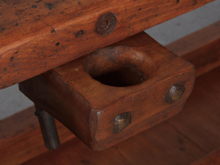 French Carpenter's Workbench in Beechwood, Dated 1919 In Good Condition For Sale In Austin, TX
