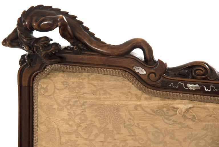 French Carved Walnut and Silk Upholstered Chinoiserie Seating Set For Sale 1