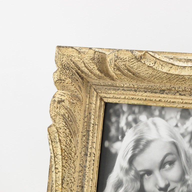 French 1940s Carved Wood Picture Frame In Good Condition For Sale In Atlanta, GA