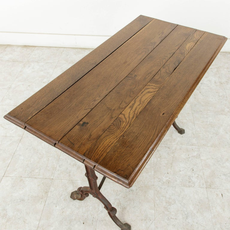 French Cast Iron Bistro Table or Cafe Table with Oak Top, circa 1900 For Sale 3