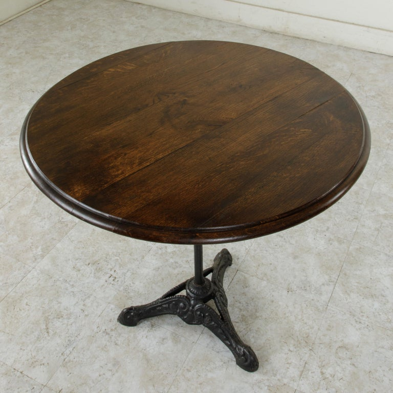 French Cast Iron Bistro Table or Cafe Table with Round Walnut Top, circa 1900 For Sale 3