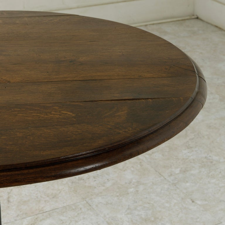 French Cast Iron Bistro Table or Cafe Table with Round Walnut Top, circa 1900 For Sale 4
