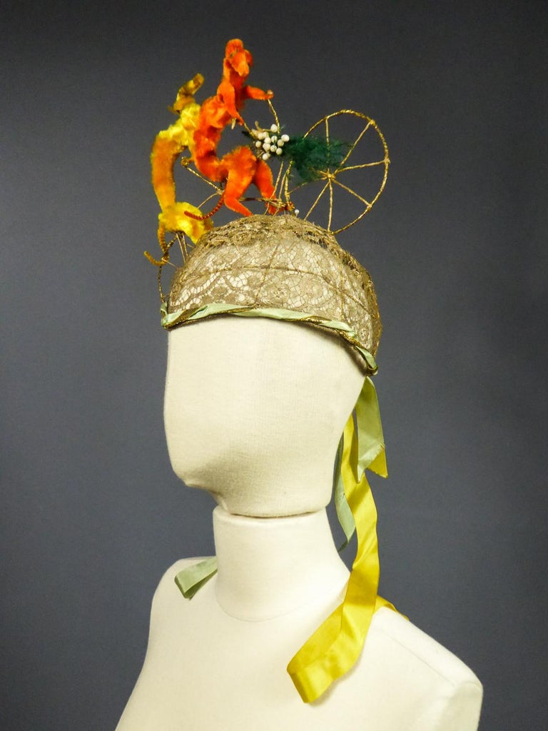 French Catherinette Dramatic Bibi Chenillé Headdress - Art Deco Period 1920/1930 For Sale 5