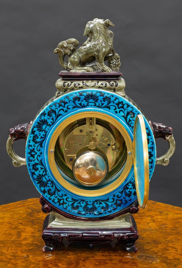 French Ceramic Mantel Clock with Chinese Decoration In Good Condition For Sale In Norwich, GB