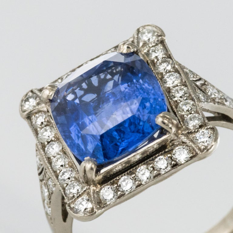 Art Deco Style French 5 Carat Ceylon Sapphire Diamond 18 Karat White Gold Ring For Sale 4
