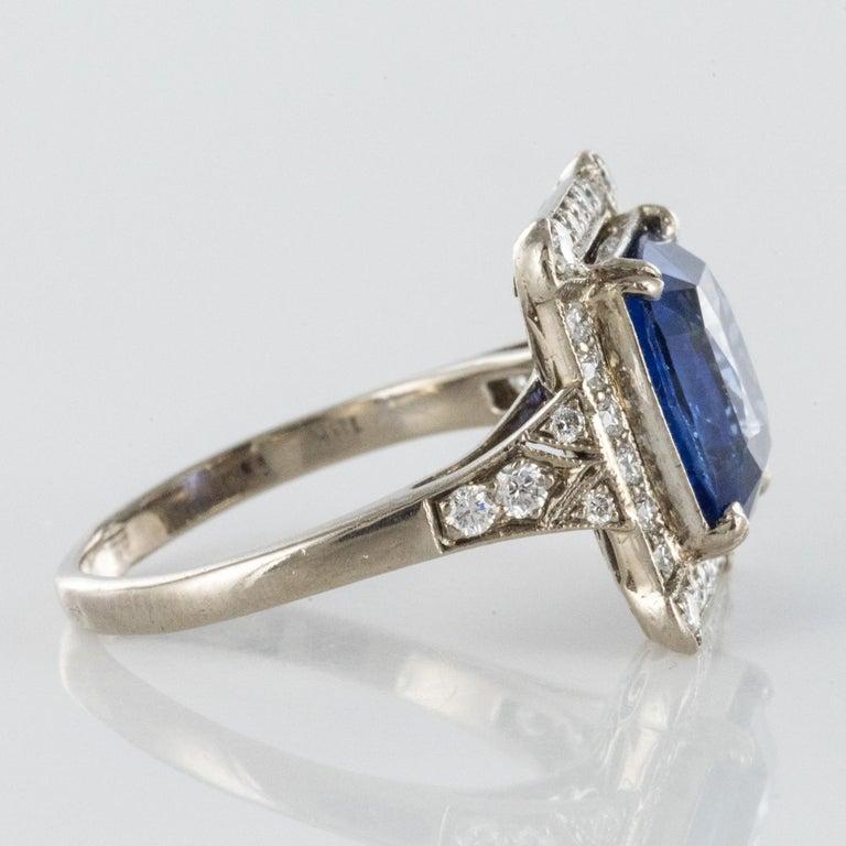 Art Deco Style French 5 Carat Ceylon Sapphire Diamond 18 Karat White Gold Ring For Sale 7