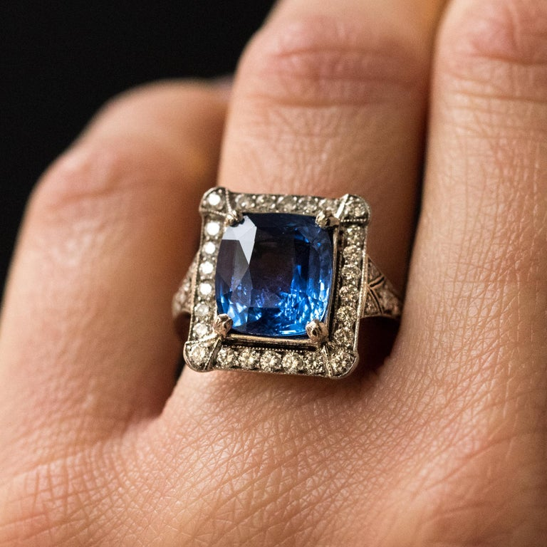 Art Deco Style French 5 Carat Ceylon Sapphire Diamond 18 Karat White Gold Ring In New Condition For Sale In Poitiers, FR