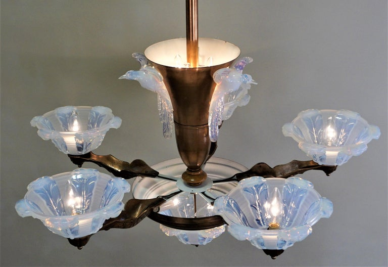 French Copper and Opalescent Glass Art Deco Chandelier by Ezan For Sale 1