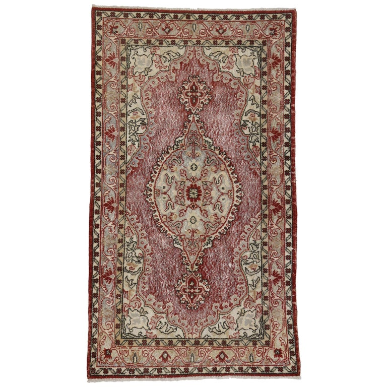 French Country Style Distressed Vintage Turkish Sivas Rug, Accent Rug For Sale