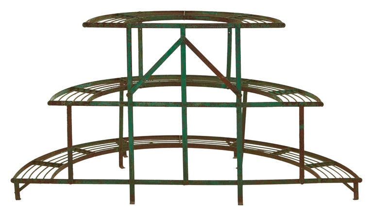 French Curved Green Iron Plant Stand In Good Condition For Sale In Chicago, IL